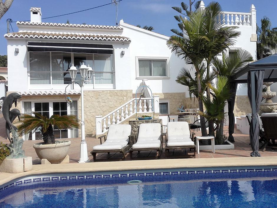 Luxe Villa Hermosa